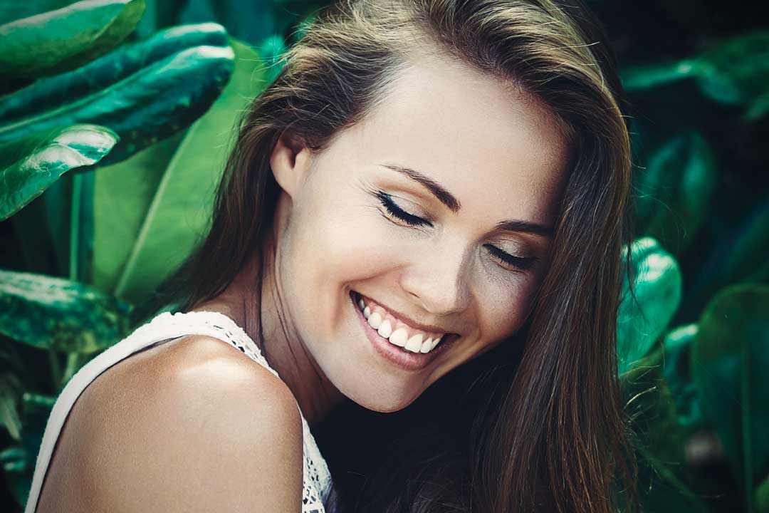 How To Create A Dazzling Smile With Teeth Whitening dentist Mooroolbark